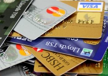 مزایا و محدودیت های کارت های اعتباری ارزی بین المللی (ویزا و مستر کارت)