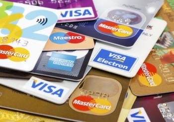 چطور کارت اعتباری مناسب سفر انتخاب کنیم؟