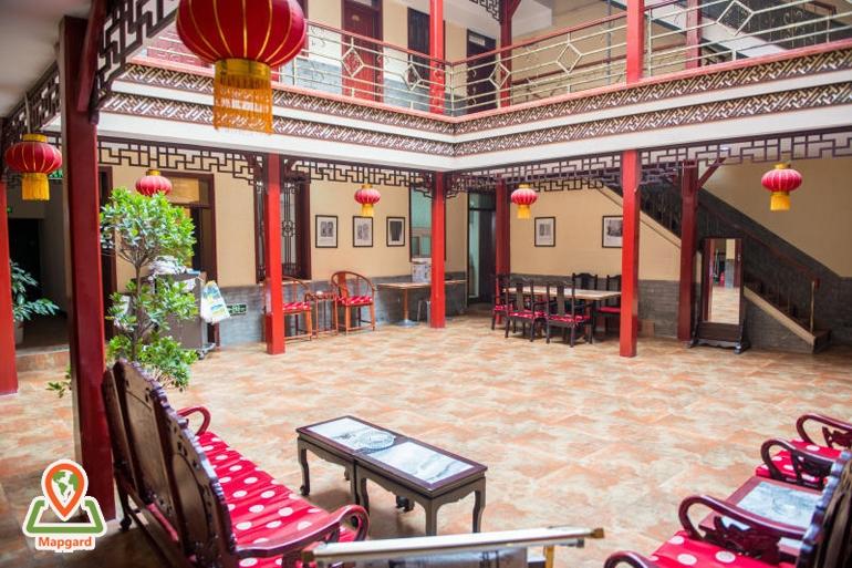 [عکس: China-travel-guide-hostle.jpg]
