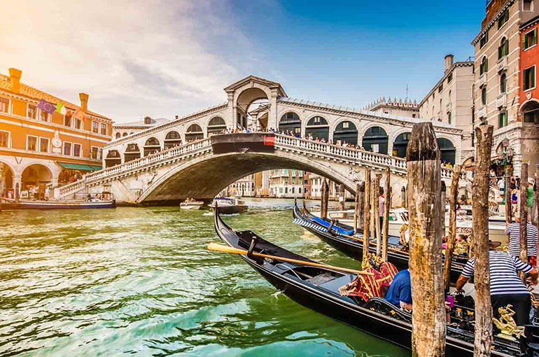 Image result for ۲-کانال های ونیزVenice Canals